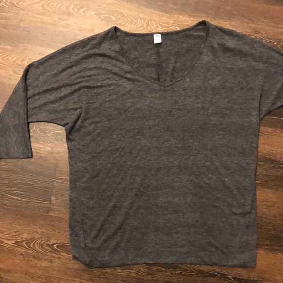 Old Navy Tops - Old Navy Gray NWOT 3/4 sleeve